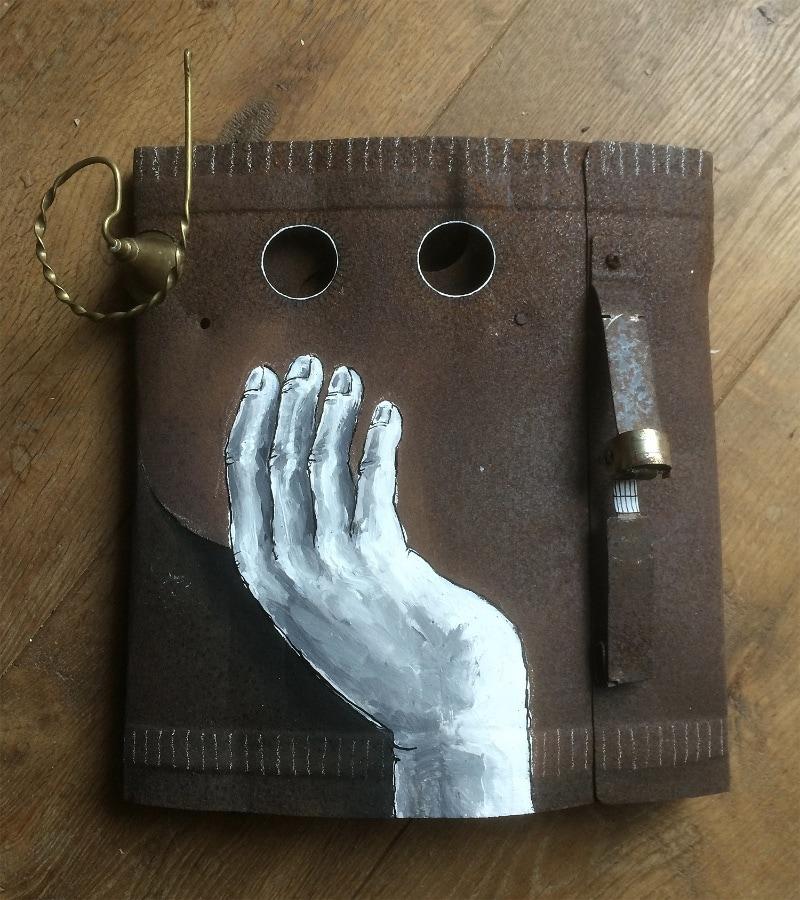 Firestarter 2020 30x30x10 cm oud ijzer gesso en inkt