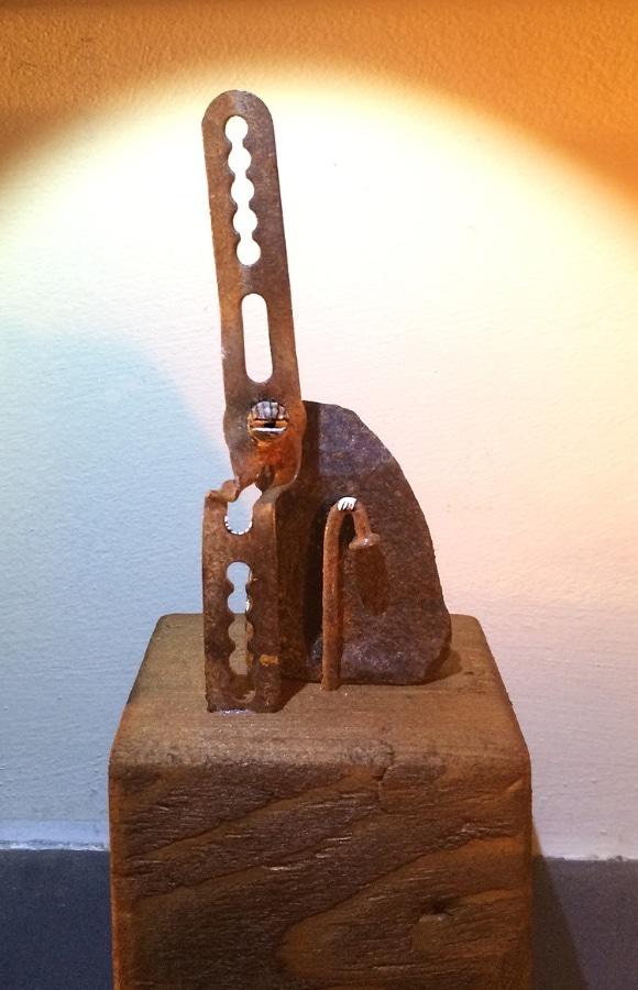 Krasse Knar 2020 17x65x7 cm oud roest gesso en inkt