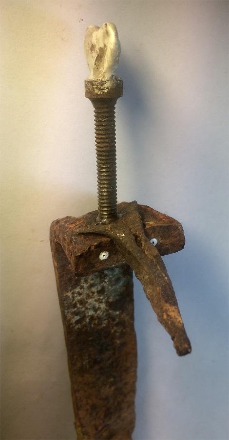 Snoeshaan 2020 285x6x6 cm oud ijzer hout gesso inkt