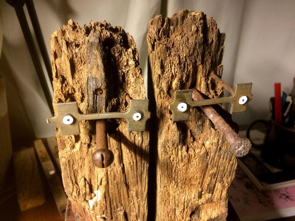 Verknocht Stel 2019 13x20x8 cm oud hout ijzer gesso en inkt