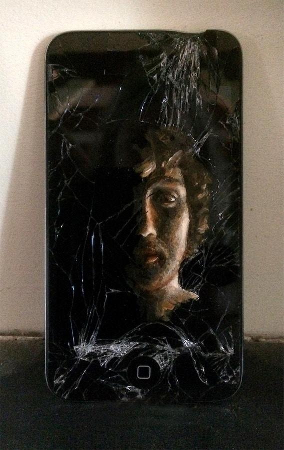 iPodKop Zoon III (2021 - olieverf op iPod - 5,5x12cm), door Celine van Hoek